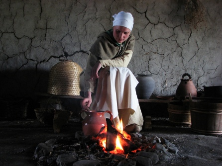 Photo credit: 'medieval woman next to fire' - hans s via Foter.com / CC BY-ND Original image URL: https://www.flickr.com/photos/archeon/154186235/
