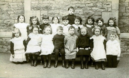 1912 St. Barnabas Infants School, St. Pauls, Bristol brizzle born and bred via Foter.com / CC BY-NC-SA Original image URL: https://www.flickr.com/photos/brizzlebornandbred/174280191815/