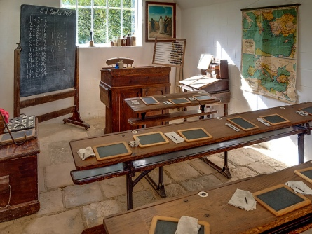A reconstruction of a Victorian British Schoolroom at the Weald and Downland Museum Angus Kirk via Foter.com / CC BY-NC-ND Original image URL: https://www.flickr.com/photos/anguskirk/8074294232/
