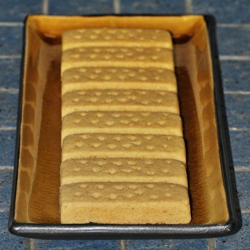Shortbread theilr via Foter.com / CC BY-SA Original image URL: https://www.flickr.com/photos/theilr/5196457411/